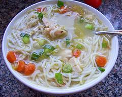 Soupe orientale au poulet épicé