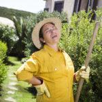 gardening  italian woman pause